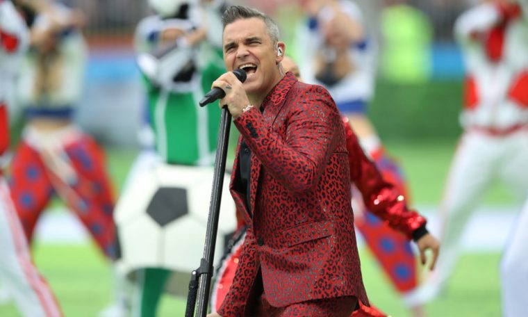 Robbie Williams has announced that he is forming a new band