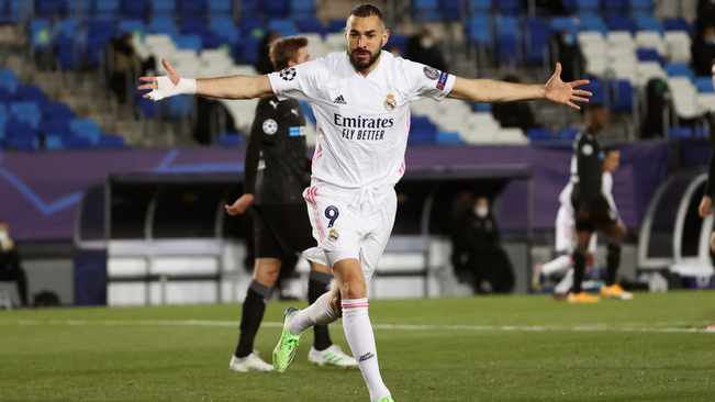 Benzema sends double to popular Real Madrid, Gladbach also progresses