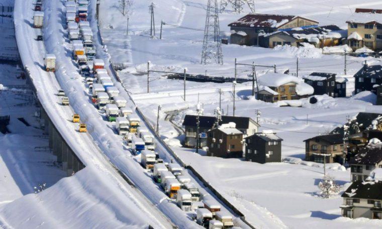 Blizzard in Japan: 9-mile traffic jam leaves 1,000 stranded overnight