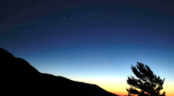 Skywatchers are ready to witness the planet known as 'Christmas Star' and Saturn's 'Great'