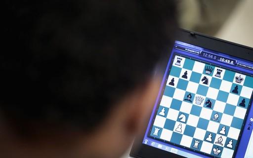 """The Queen's Gambit"" Effect: Online Chess Bounce - ópoca Negócios"