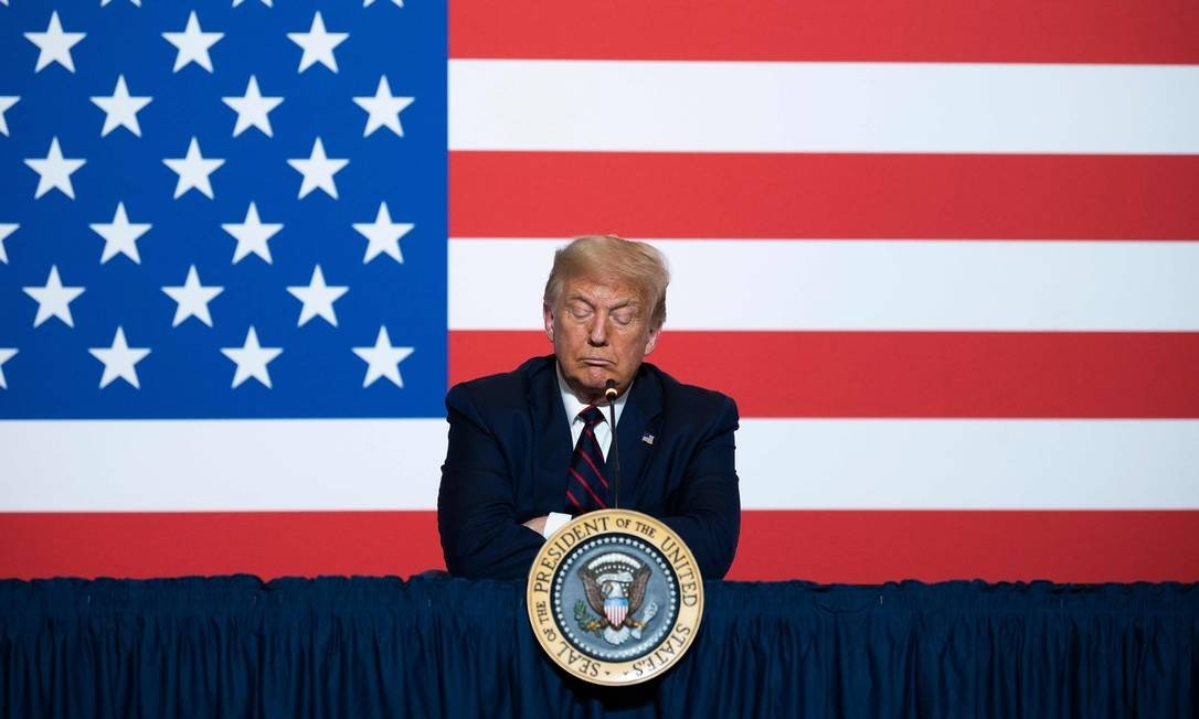 Trump attends a roundtable on plasma donation at the national headquarters of the American Red Cross in Washington: JIM WATSON / AFP - 07/30/2020