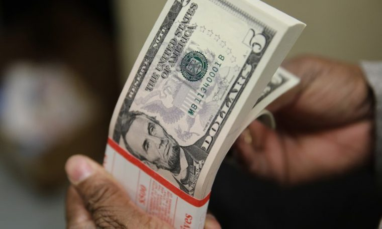Dollar moving economy with volatility in last session of 2020