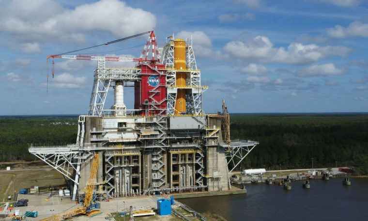 NASA fuels first space launch system Megrocket Core in 'Green Run' test