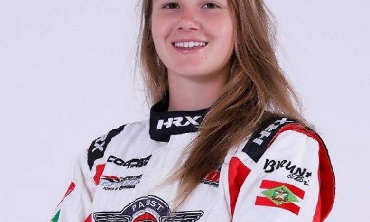 Única sul-americana no grid, Bruna Tomaselli, 23 anos, só pensa em voltar a correr e acalenta sonho