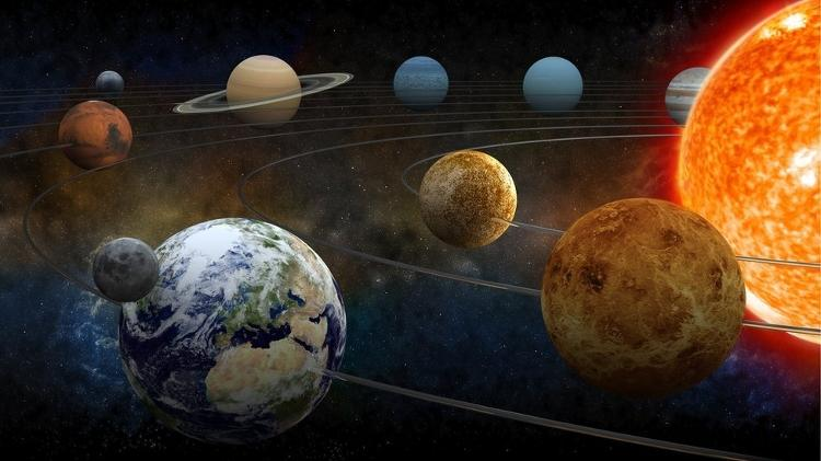The gravitational effect of the planets and the motion of the Earth means that the length of the year is not always the same - Getty Image - Getty Image