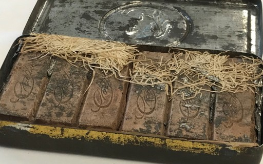 121-year-old chocolate found intact in Australia's library - Revista Galileu