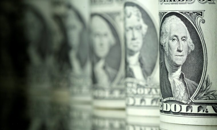 The dollar starts rising and the economy trades at R $ 5.30