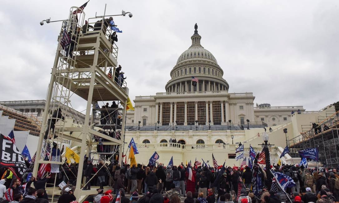 Trump supporters set the stage for the inauguration of Joe Biden during a protest against confirmation of Democrats' victory in the presidential election: Photo: Stephanie Kate / Representative