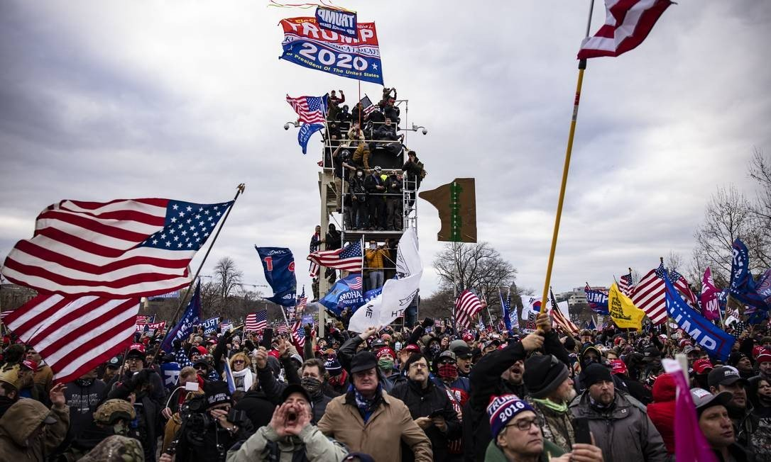 Protesters gathered in front of the US Capitol.  The Protest was called by social media, and tries to pressure Republicans to reverse the results of the Electoral College to support the presidential initiative Photo: Samuel Quorum / AFP