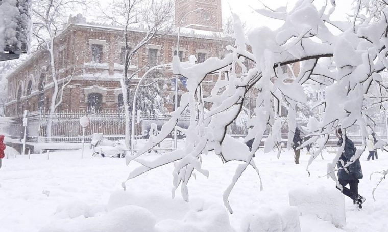 Madrid falls and experiences emergency with the blizzard of the century