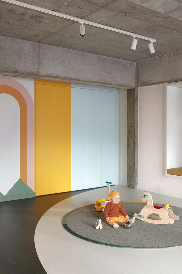 The school in Australia has a minimalist aesthetic marked by pastel colors and playful elements (Photo: Sean Fenness)