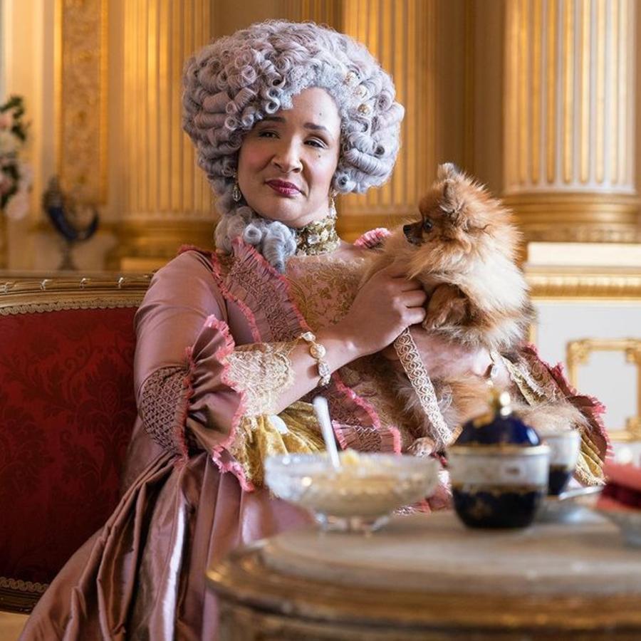 Queen Charlotte sat her pet puppy