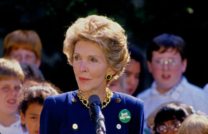 नैंसी डेविस ने 50 से अधिक वर्षों तक रोनाल्ड रीगन से शादी की, उनके दो बच्चे हैं।