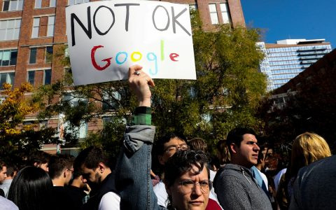 Google's boss, Alphabet employees, announces a coalition of unions around the world.  Technology