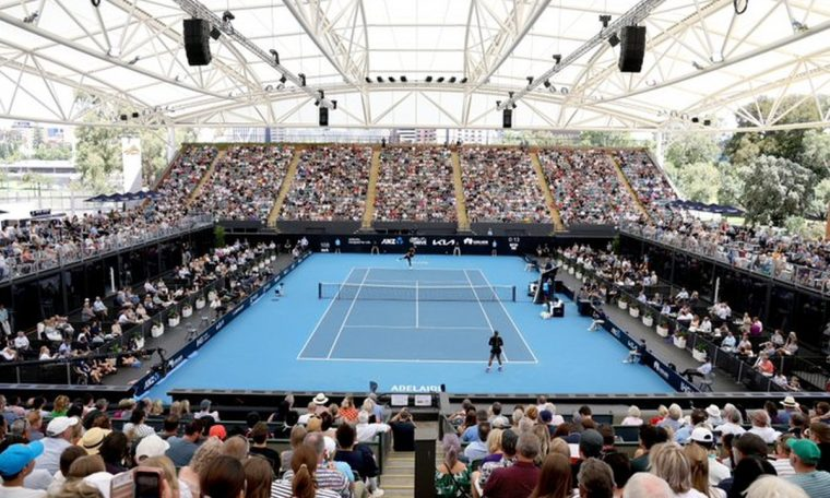 PUBLICO Tennis crowd sneakers in Australia for the Nadal, Djokovic, Serena and Osaka matches