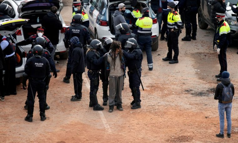 Spanish police organize new year party near Barcelona world