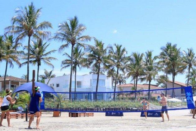 Até 18 de fevereiro de 2021 quatro quadras de areia estarão instaladas na praia