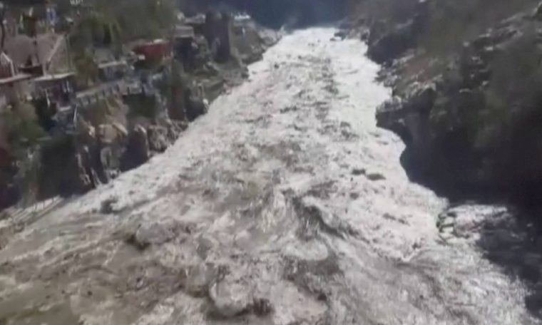 Avalanche more than 100 missing after melting glacier in Himalayas - 07/02/2021 - World