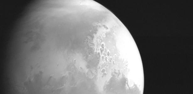 Chinese probe sends its first photo of Mars - 02/05/2021