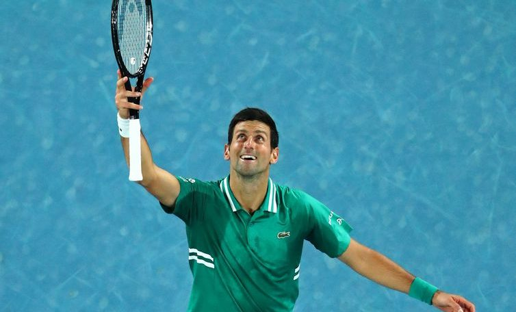 Djokovic and Thiem advance to the second round of the Australian Open