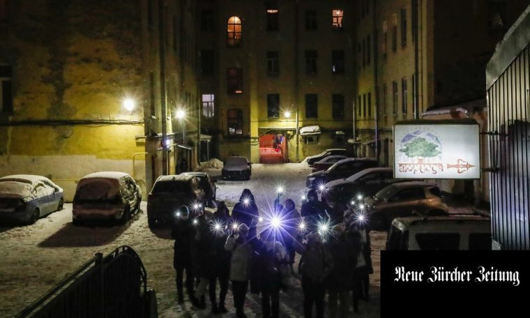 Silent resistance with flashlight and mobile phone light