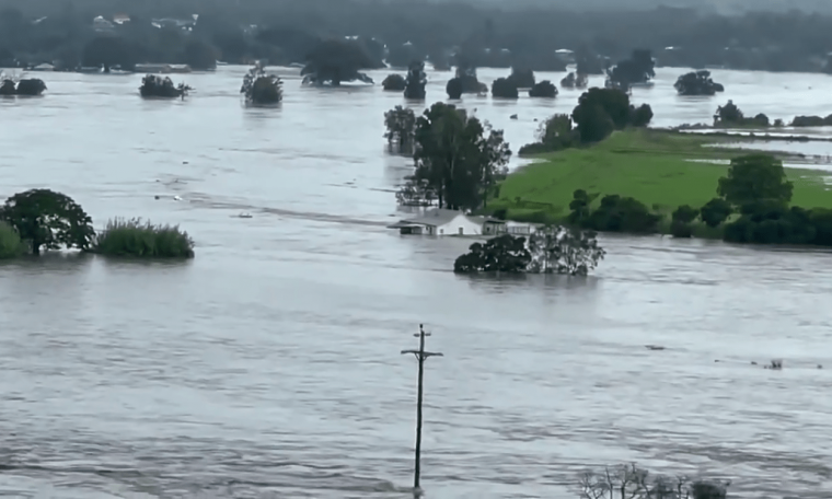 Emergency in Australia due to rain and historical floods