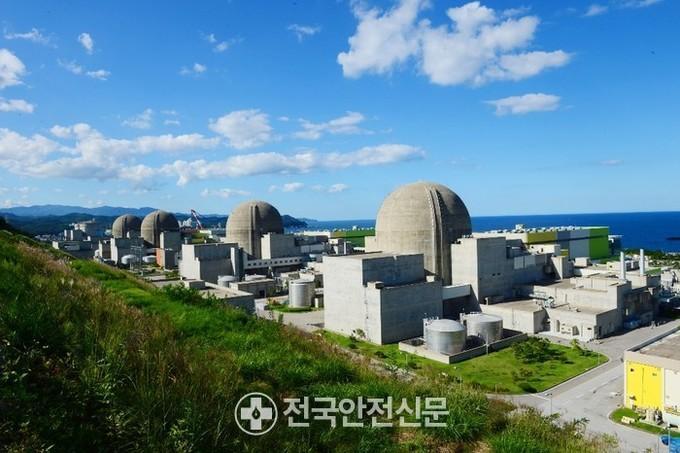 Hansuwon Hanul Nuclear Power Plant Unit 4 Power Generation Suspension Summary .. Control Oil Low-Pressure Signal Generation, Turbine / Generator Shutdown: National Safety Newspaper