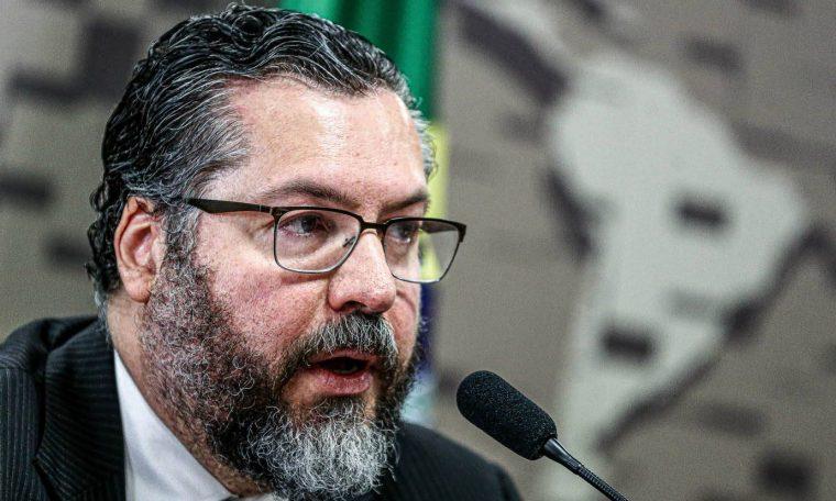 O ministro das Relações Exteriores, Ernesto Araújo, durante audiência pública na Comissão de Relações Exteriores e Defesa Nacional do Senado