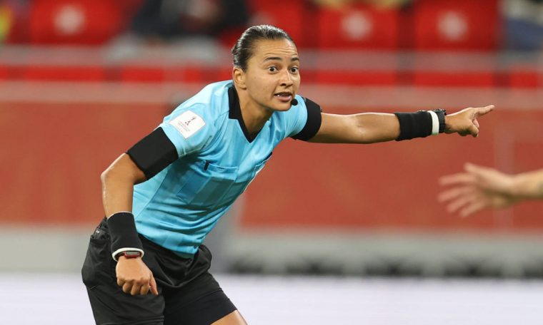 Edina Alves to be the first woman to whistle a Corinthians x Palmyras - 03/01/2021 - Sports