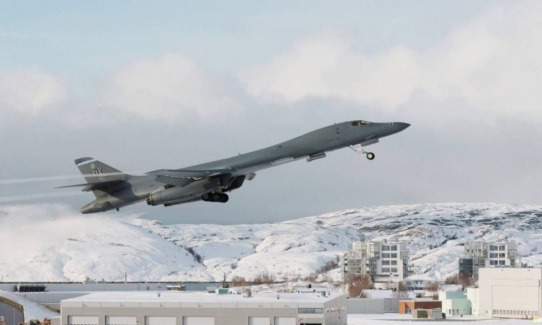 US instigates Russia and land nuclear bomber in Arctic for the first time - 03/10/2021 - World