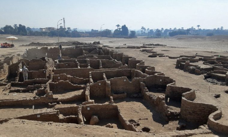 Archaeologists discovered 'Pompeii' in Egypt.  world