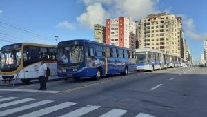 Buses stop at Recife and ask for vaccination against Kovid-19 of the category in May