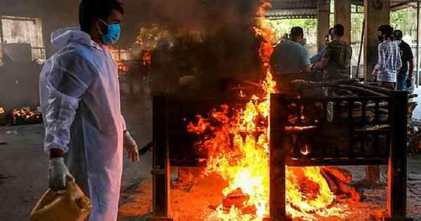 Epidemic generates burial lines at crematoriums in India - International