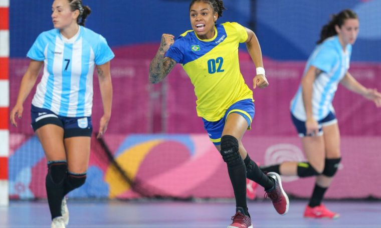 Brazilian handball meets opponents at Tokyo Olympics
