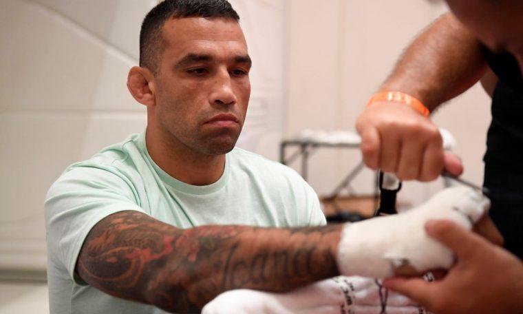 Fabrício Werdum prepares to fight in new career program