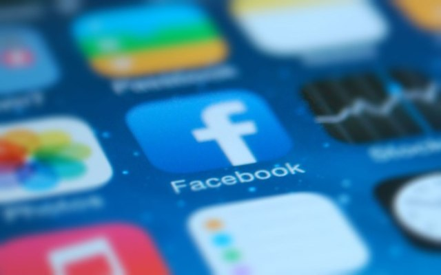 Facebook us  Will test new business search features in the news feed