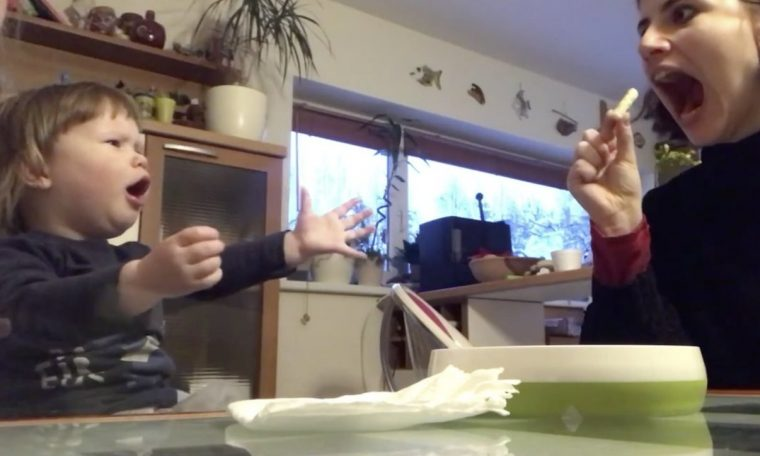 Parents can't stop smiling: this girl will do anything for dessert