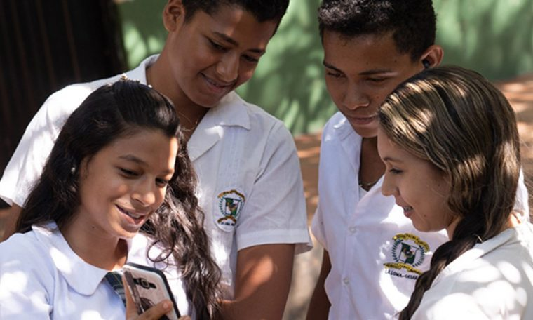 Minitic awarded a project that will provide mobile Internet to over 300,000 students and entrepreneurs