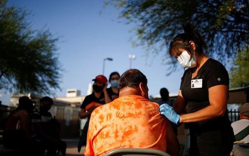 Latino travels to the United States in search of vaccination - ópoca Negócios