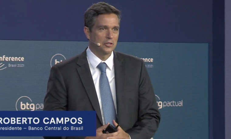 """The increase in vaccination rate has a """"brutal effect"""" on GDP, says Campos Neto"""