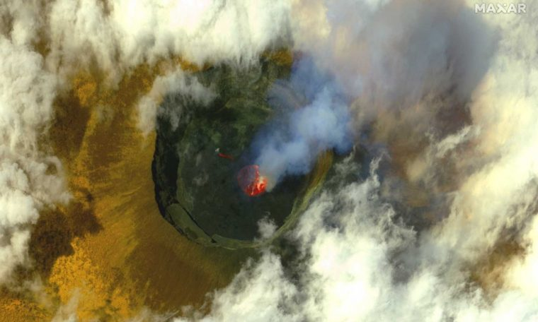 City evacuated in Democratic Republic of Congo due to risk of new volcanic eruption.  world