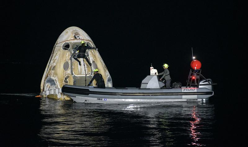 Crew Dragon 'Resilience' capsule defended in Gulf of Mexico