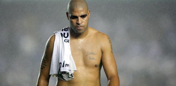 """Regarding the injuries, Adriano says, """"To this day, I cannot support my body"""""""