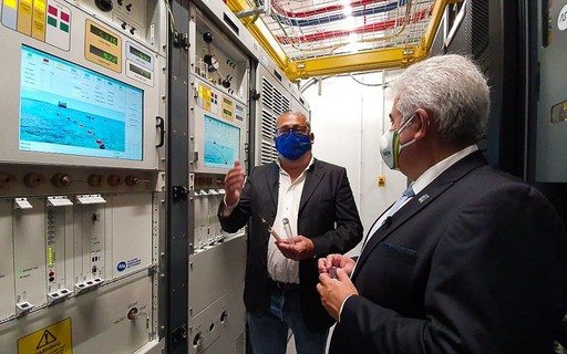 Government inaugurates submarine cable connecting Brazil with Europe - poca Negócios