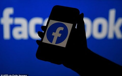 Facebook, WhatsApp and Instagram are down worldwide