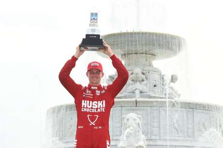Marcus Ericsson returns to victory after almost 8 years