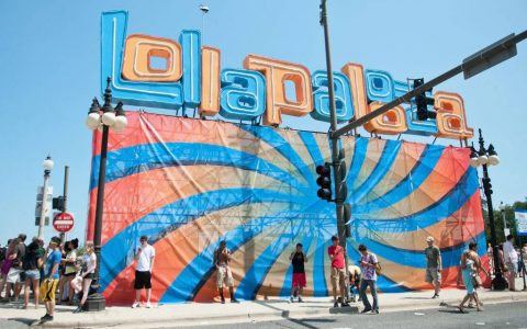 Chicago gives America free Lollapalooza tickets to vaccinations