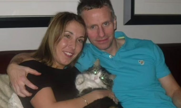 Days after the funeral, the cat 're-emerges' from the ashes and scares the family.  pet channel