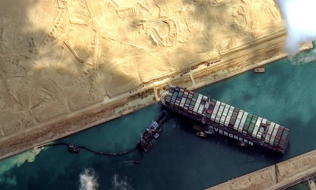 An aerial view of the Suez Canal, where the Ever Given ship was stranded. Photo: DigitalGlobe/Scapeware3D/DigitalGlobe/Getty Images